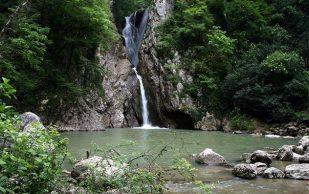 Сочи: путешествие по Агурским водопадам