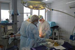 Пермские врачи освоили редкую операцию на коленном суставе