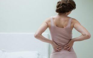 Боли в спине могут являться признаками серьёзных заболеваний