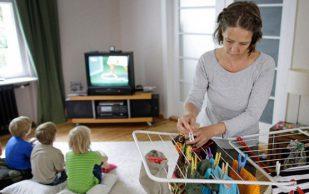Женщины более склонны к развитию болей в спине из-за домашних хлопот