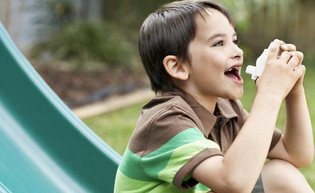 У мальчиков астма повышает риск переломов