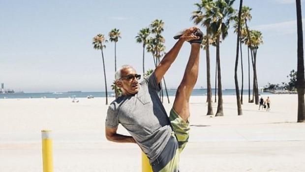 Растяжка ног помогает пожилым людям поддерживать мобильность