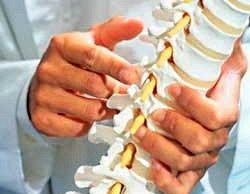 Челябинские хирурги поставили на ноги пациента с переломом позвоночника