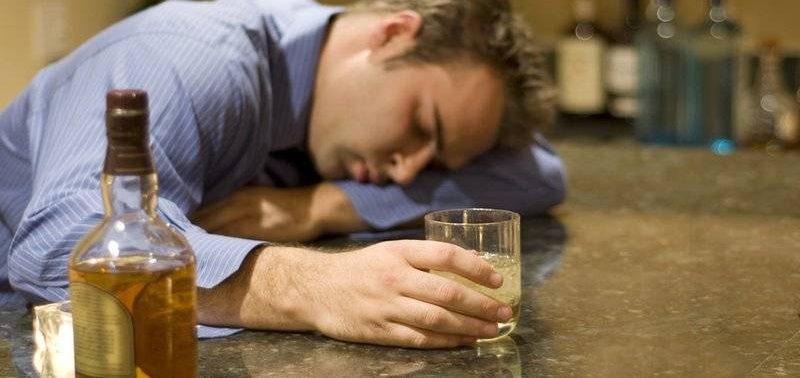 Мужской алкоголизм и его симптомы