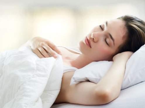 Для облегчения этих симптомов достаточно сменить позу сна