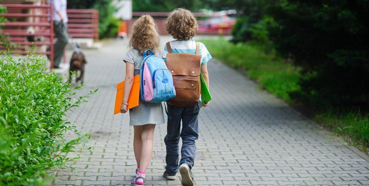 Школьные рюкзаки не так уж вредны для детских спин