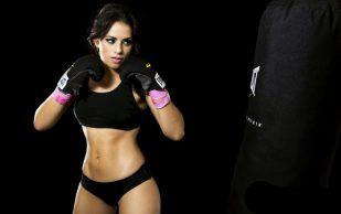 Преимущества занятий тайским боксом для девушки.