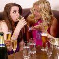 Употребление алкоголя в подростковом возрасте ослабляет здоровье женских костей