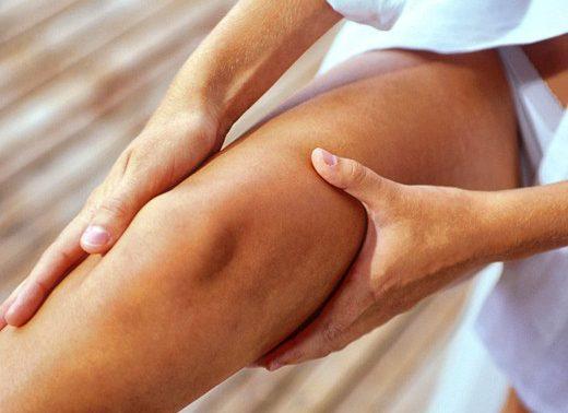 От чего болят мышцы ног