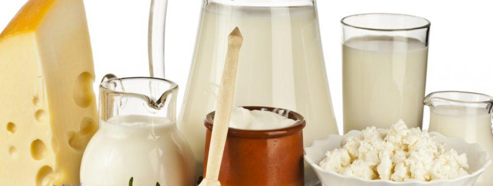 Молочные продукты положительно влияют на кости и позвоночник мужчин, но не женщин