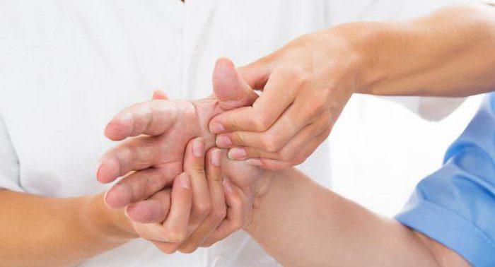 Анализ крови позволит выявить наличие артрита до появления симптомов