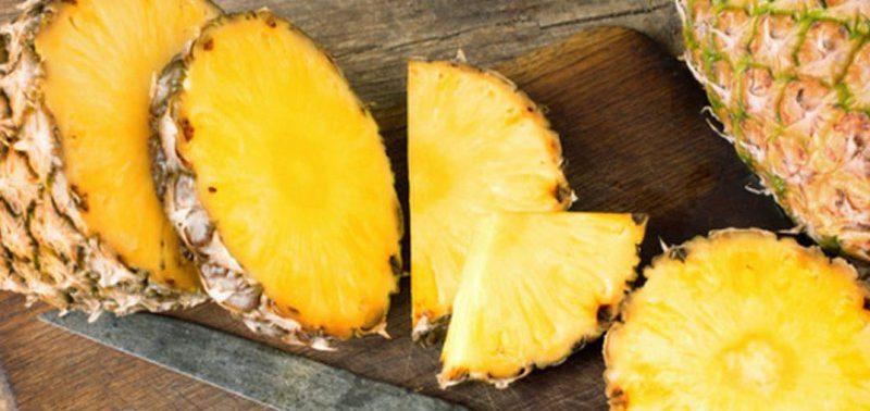 От болей в спине помогает ананас