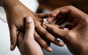 Женатые люди реже страдают от перелома костей