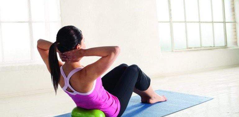 Фитнес дома: эффективные упражнения для укрепления мышц спины