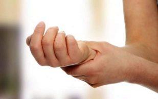 Онемение конечностей может говорить о серьезной болезни