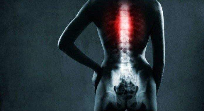 Эта легкая гимнастика поможет избавиться от болей в спине