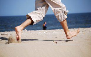 Бег босиком приводит к травмам ног