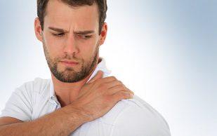 Боль в плече? 3 причины для похода к врачу