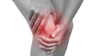 Почему возникает боль в коленях после бега?
