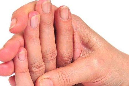 Стала известна истинная причина хруст в пальцах