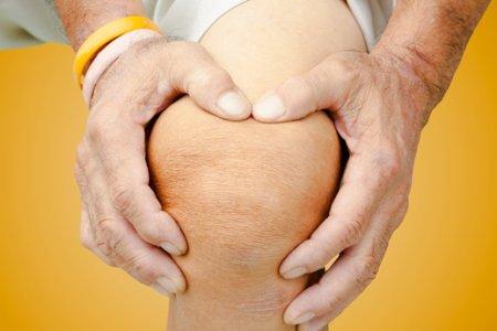 Медики рассказали, как справиться с болью в суставах