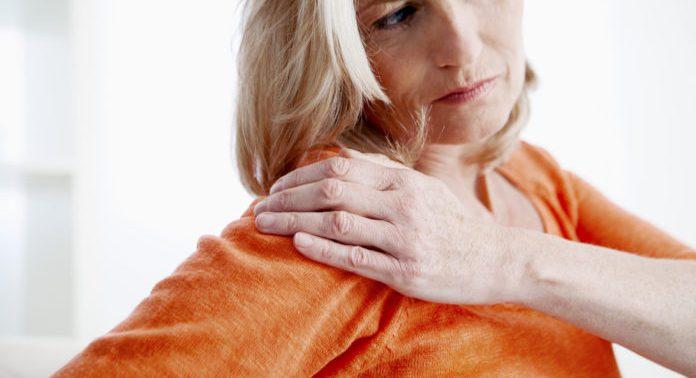 Почему болят суставы при климаксе и как с этим бороться?