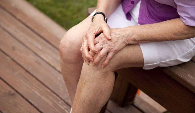 Эффективные упражнения, которые могут помочь избавиться от боли в коленном суставе
