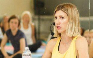 Фитнес-тренер подсказала, как быстро снять боль в спине