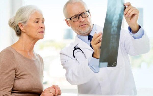 Как диагностируют и лечат болезнь Бехтерева