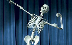 Врачи перечислили факторы, вызывающие хрупкость костей