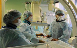Московские врачи провели уникальную операцию по удалению опухоли позвоночника