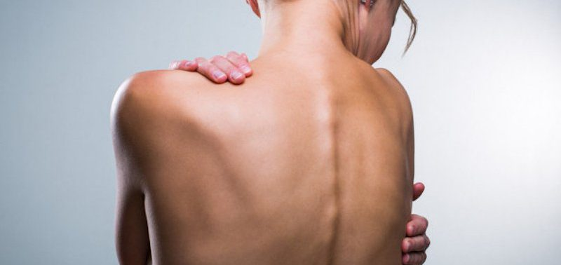 8 последствий нарушения осанки, влияющих на всё тело