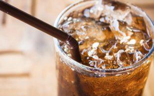 Страсть к подслащенным напиткам может довести женщин до подагры