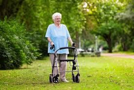Ходунки для инвалидов.