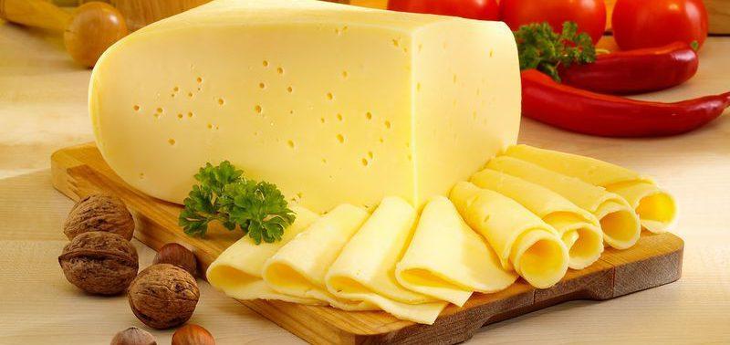 Сыр защищает от хрупкости костей