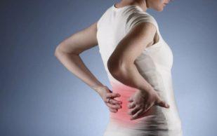 Врачи рассказали, как помочь себе при боли в спине в случае люмбаго