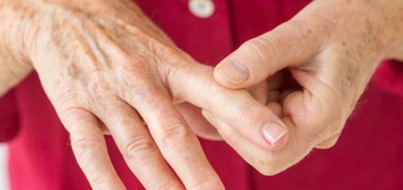 Онемение и покалывание в разных частях тела: что это может означать?