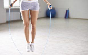 Упражнения со скакалкой: остеопат рассказывает как не навредить здоровью