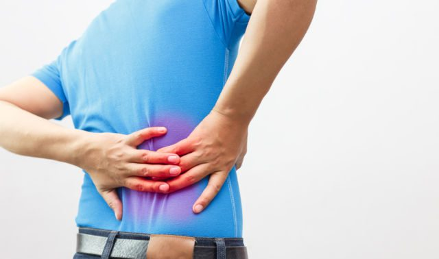 Какие упражнения делать при болях в пояснице?