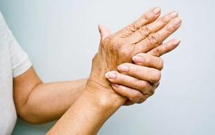 Артрит: названы первые симптомы