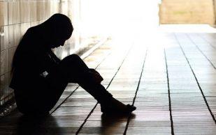 Депрессия повышает риск возникновения проблем с суставами