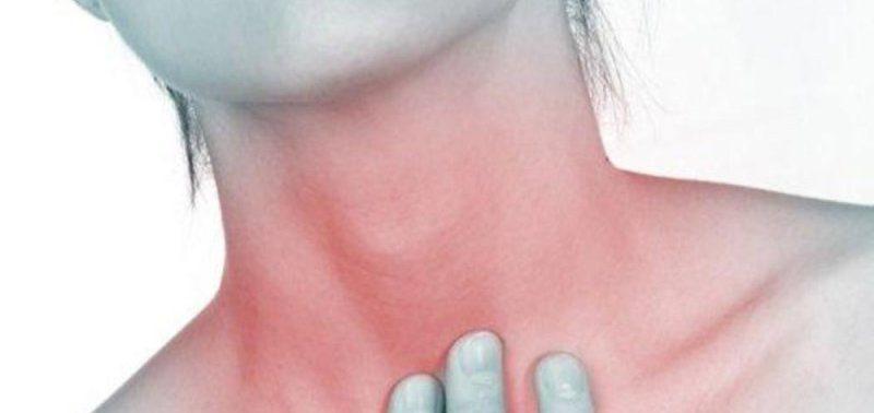 Болезнь спины вызывает трудности с проглатыванием