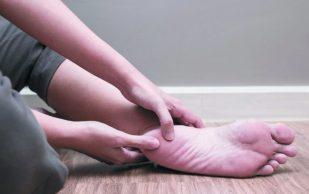 Йога терапия при болях в пятках