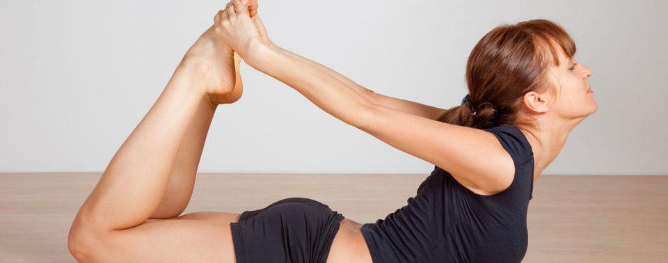 Как ежедневный комплекс простых асан поможет вернуть здоровье суставов