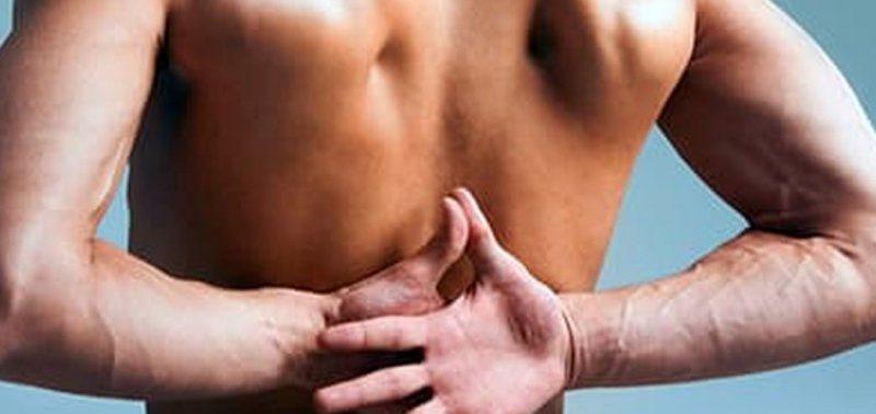 Почему может болеть спина: причины от не очень до очень опасных