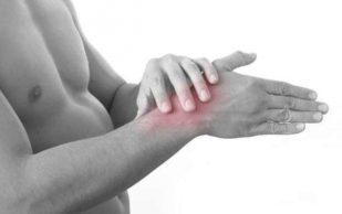 3 сигнала организма о том, что боли в суставах требуют обращения к врачу