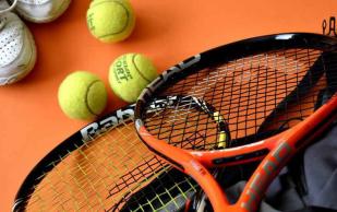 Теннис ускоряет разрушение коленных суставов у людей с лишним весом
