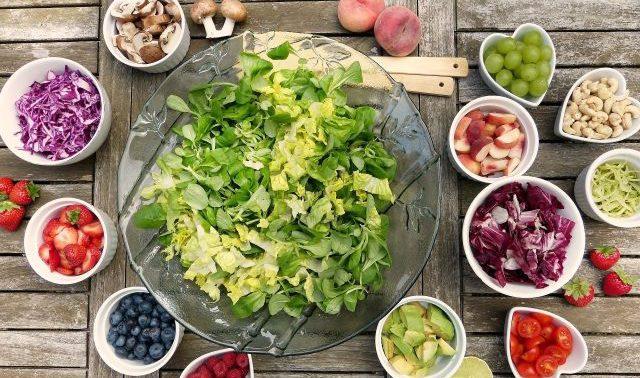 11 салатов c витамином С, необходимых для здоровья суставов