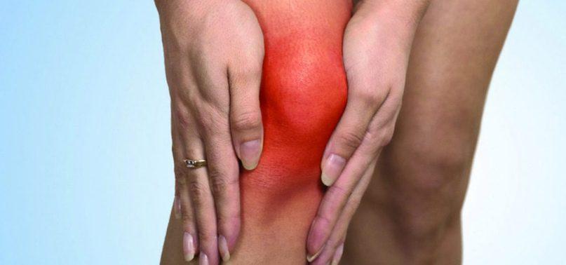Болят колени? 5 признаков, что пора обращаться к врачу