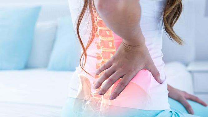 Названы повседневные привычки, вызывающие боли в спине